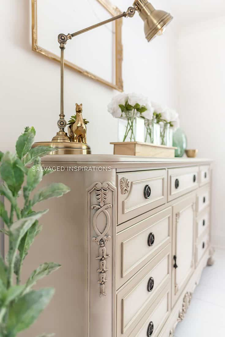 How to Blend Paint on Furniture
