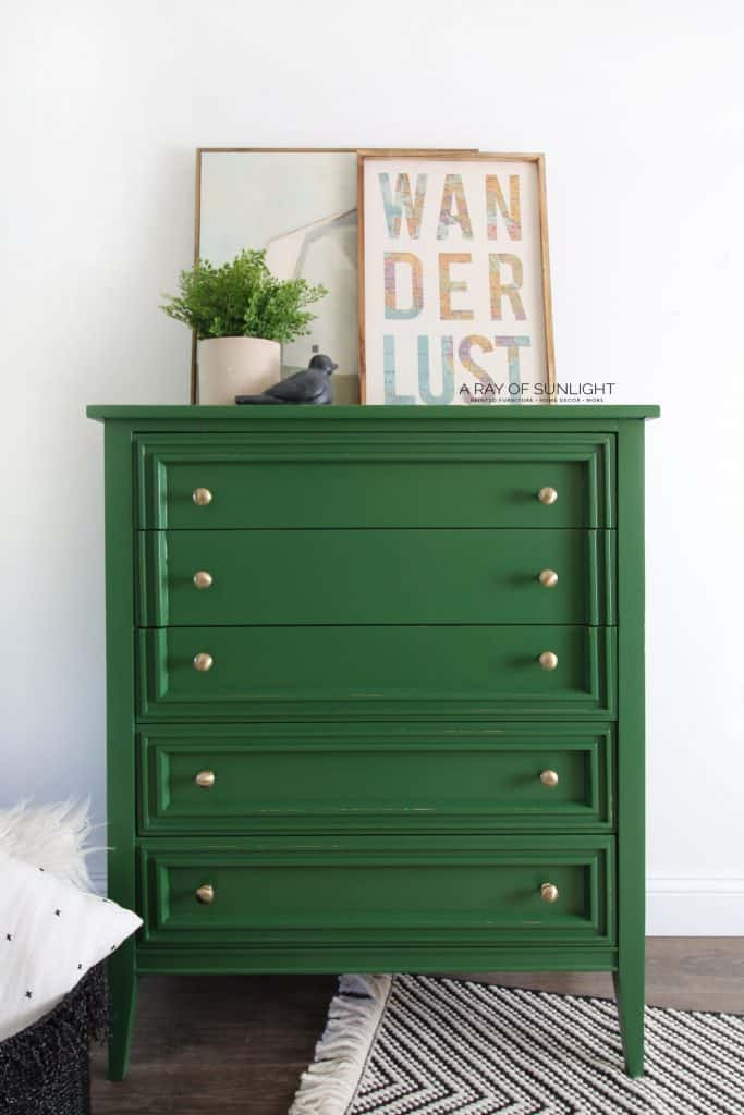 Green Chalk Paint on Furniture