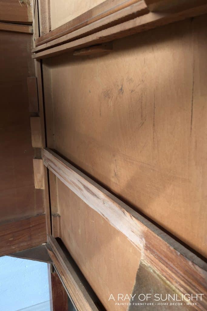Remove broken drawer runner