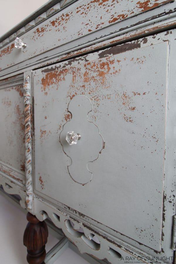 milk paint chippy look