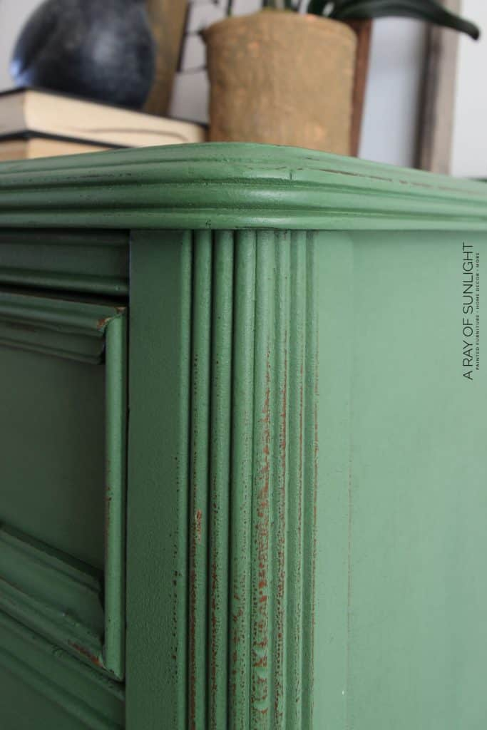 Difference between chalk paint and milk paint (Closeup of milk paint dresser)