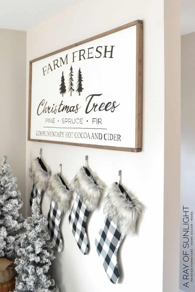 Christmas Farmhouse Sign - Farm Fresh Christmas Tree Sign
