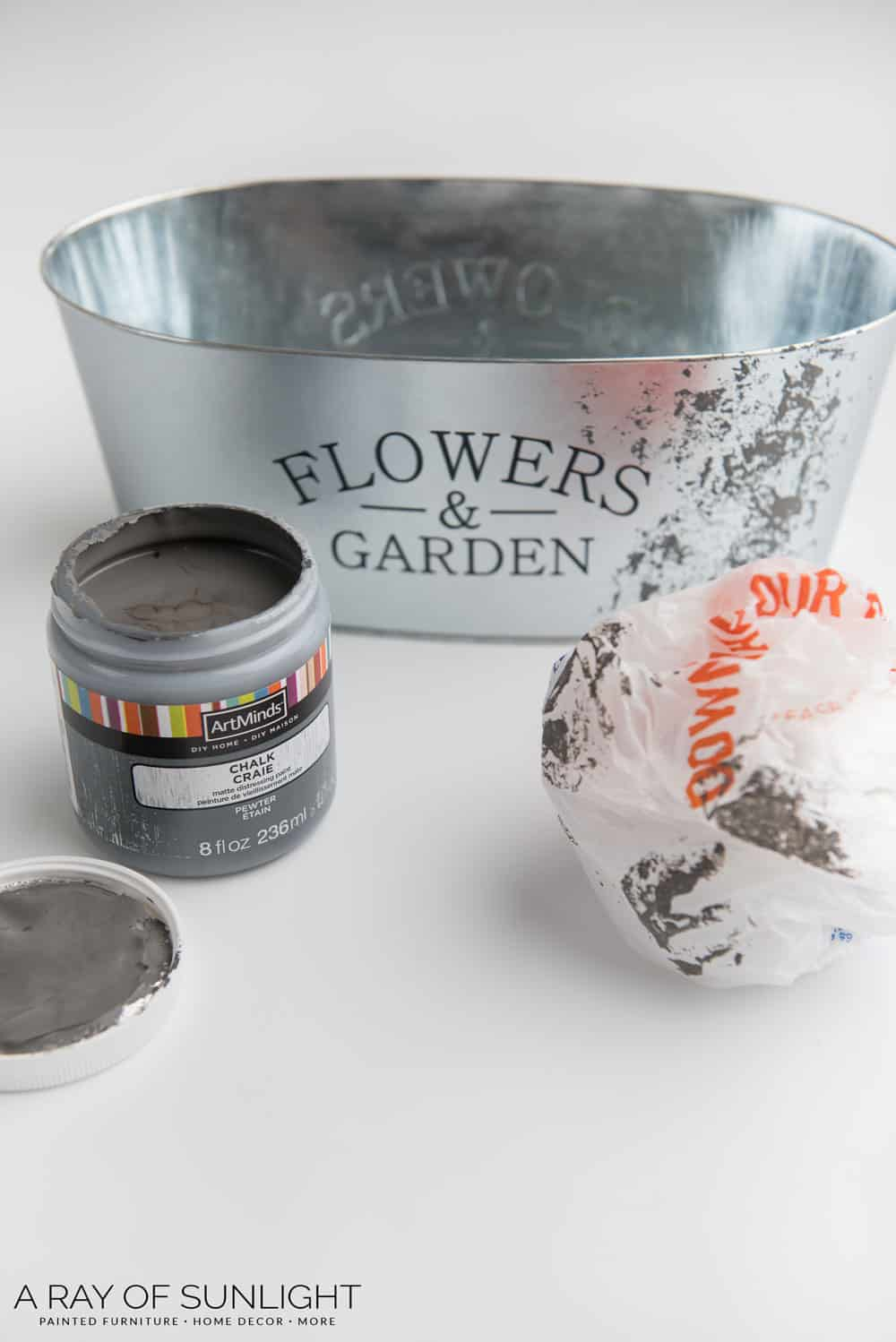 DIY Galvanized Bucket Decorating Idea for Spring