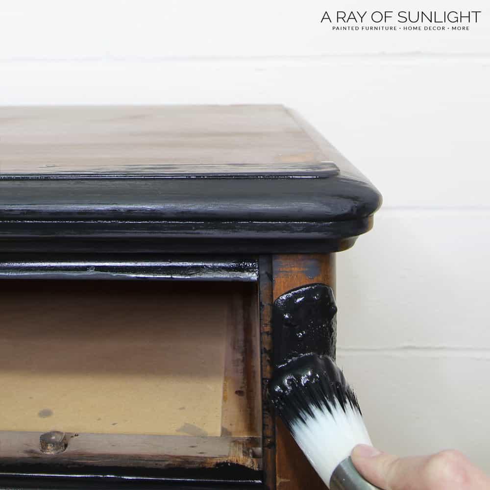 5 different ways to distress milk paint