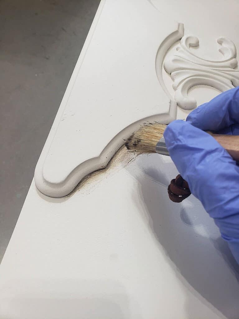 how to use annie sloan dark wax