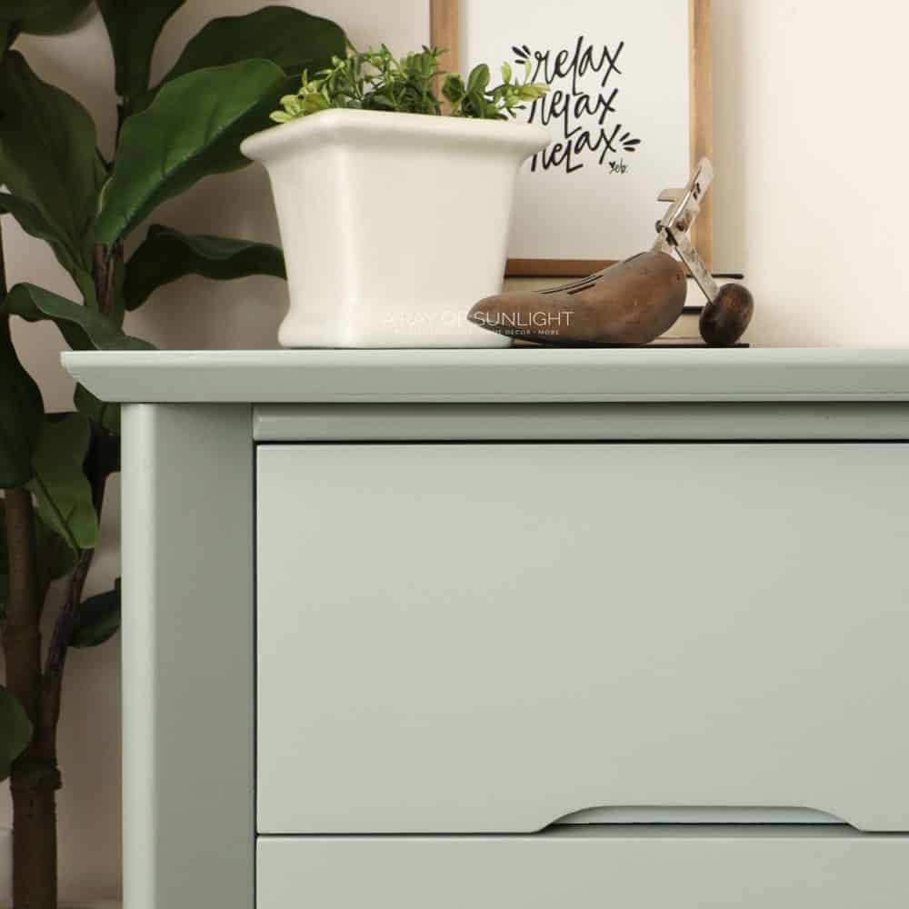 closeup of the painted laminate desk