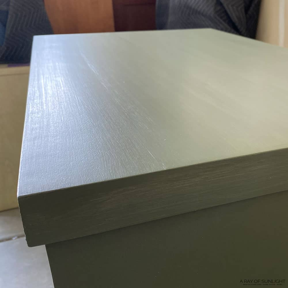 dresser top without wood grain showing